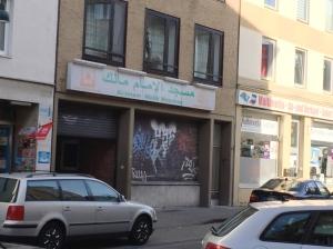 Die Moschee in der Ottostraße., die sich sehr um Kontakt zu jungen Flüchtlingen bemüht.