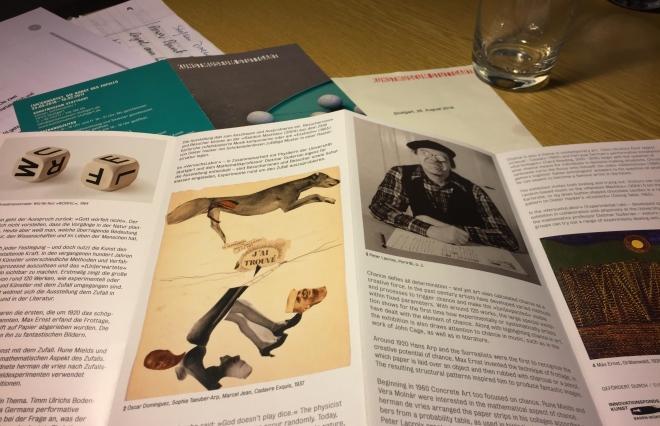 Blick auf den Flyer der Stuttgarter Ausstellung